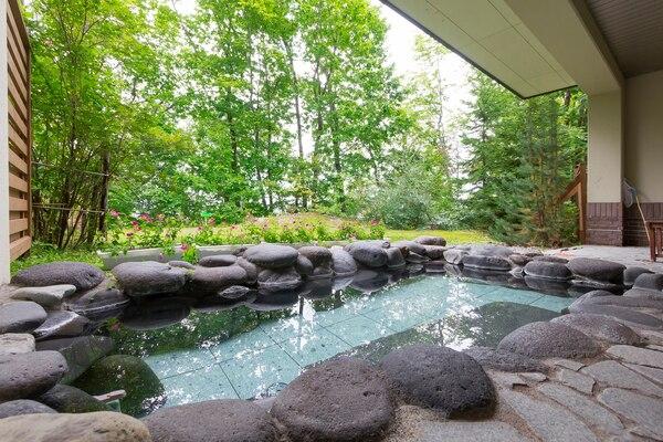 和洋室客室露天風呂|森のゆホテル花神楽