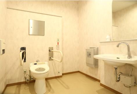 車椅子対応トイレ|青の洞窟温泉ピパの湯ゆ~りん館
